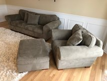 Couch, loveseat, & ottoman in Glendale Heights, Illinois