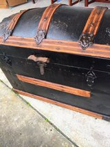antique steamer trunk  great condition in Cherry Point, North Carolina