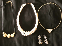 Rich look! Costume jewelry in Chicago, Illinois