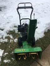 JOHN DEERE TRS22 ELECTRIC START 2 STAGE SNOW BLOWER 6 SPEEDS FORWARD AND 2 REVERSE in Naperville, Illinois