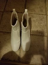 Katy Perry Daina White Booties Size 6.5 in Fort Campbell, Kentucky