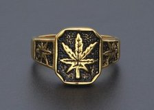 Hemp leaves hip hop ring (Size 10) in Moody AFB, Georgia