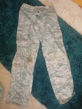 mens 34R camo trousers in Lakenheath, UK