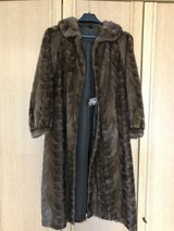 Mink fur coat in Grafenwoehr, GE