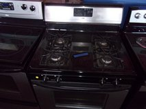 Whirlpool Estate Gas Stove in Fort Riley, Kansas