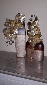 2x Beautiful Vases (gold /brown) with Flower in Ramstein, Germany