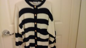 Womens  Knit Sweater  Navy and White Size Large in Glendale Heights, Illinois