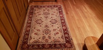2 Area rugs, 8x10ft and 4x6ft in Joliet, Illinois