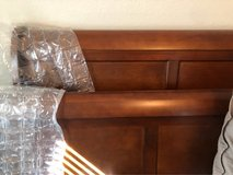 Queen headboard/footboard and matching mirror in Kingwood, Texas