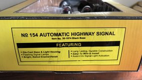 MTH Trains 154 Automatic Highway Signal 30-1074 black base in Westmont, Illinois
