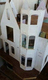 Queen Anne Doll House with parts in Alamogordo, New Mexico
