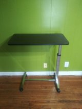 Bed side table great condition in Fort Campbell, Kentucky