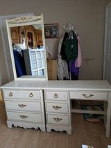 Dresser and Desk Set in Fort Campbell, Kentucky