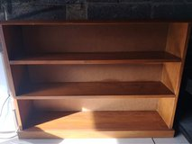 wooden bookcase, needs to be re varnished or painted in Lakenheath, UK