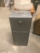 METAL CABINET in Chicago, Illinois