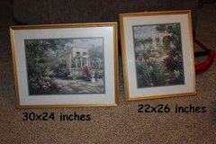 Set of 2 really nice wall hangings in Fort Knox, Kentucky