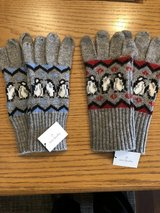 New Vera Bradley Penguin Tech Gloves - New with Tags in Chicago, Illinois