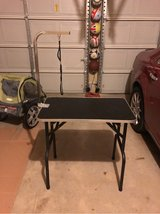 Pet grooming table in Lackland AFB, Texas