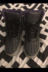 kid Nike boots size 4 in Chicago, Illinois