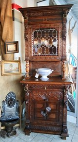 Beautiful Renaissance style hutch with stained glass in Ramstein, Germany