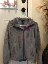 North Face Jacket size Small in Fort Campbell, Kentucky
