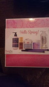 Beauty Bar Hello Spring in Camp Lejeune, North Carolina