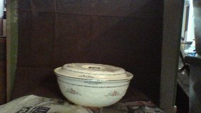 Oven Serve Casserole Dish in Fort Campbell, Kentucky