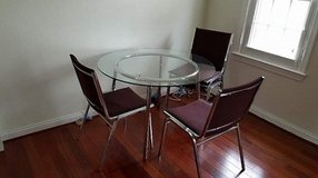 Dinning (Kitchen) Table+4 Chairs in Fort Belvoir, Virginia