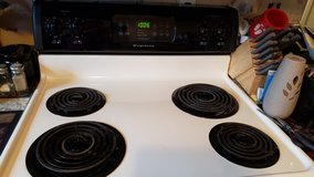 """Frigidaire 30 """" Electric Stove in Fort Campbell, Kentucky"""