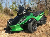 2013 Can-Am Spyder RSS. Show room condition in Fort Leonard Wood, Missouri