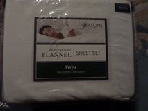 "Flannel Twin Sheet Set in White 100% Cotton 16"" deep The Seasons Collection in Alamogordo, New Mexico"