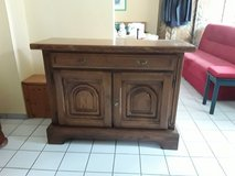 Heavy oak sideboard in Grafenwoehr, GE