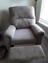 Like new 6 month old Electric  recliner in Camp Lejeune, North Carolina
