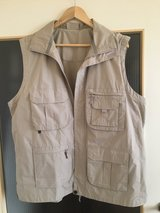 Mens Outdoor Vest in Grafenwoehr, GE