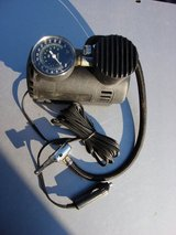 SMALL 12 VOLT  AIR PUMP FOR TIRES OR NEEDLE VALVE in Chicago, Illinois