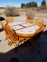 Dining room table and 6 chairs in Alamogordo, New Mexico