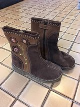 Stride Rite girl's suede boots size 10 in Glendale Heights, Illinois