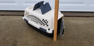 Small Pet Kennel (Like New Clean) in Camp Lejeune, North Carolina