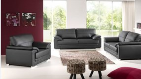 United Furniture - Vitto Sofa + Loveseat + Chair in Solid or Two-Tone including delivery in Stuttgart, GE