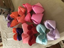 11 large and medium Bows in Cleveland, Texas