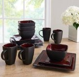 New 16 piece dinnerware set in Miramar, California
