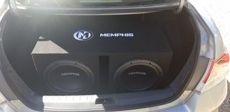 Memphis 12s in box with amp and wires in Alamogordo, New Mexico