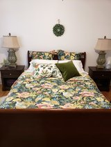 New Pottery Barn Lyla Garden Queen Duvet Set in 29 Palms, California