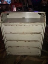 4 drawer chest with baby changing table in Conroe, Texas