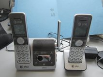 AT&T CL82201 DECT 6.0 Cordless Phone 2 Handsets,Answering System Speakerphone in Westmont, Illinois