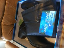 Easy Street ladies 11 black boots $29 in Fort Leonard Wood, Missouri