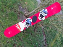 snowboard Burton with bindings, very good condition  color = red in Ramstein, Germany