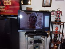 """Sony 40"""" Flat Screen TV With Remote in Fort Riley, Kansas"""