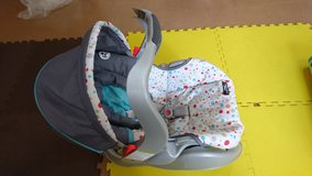 Graco SNUGRIDE Rear-facing Car Seat in Okinawa, Japan