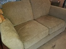 Loveseat couch in Chicago, Illinois